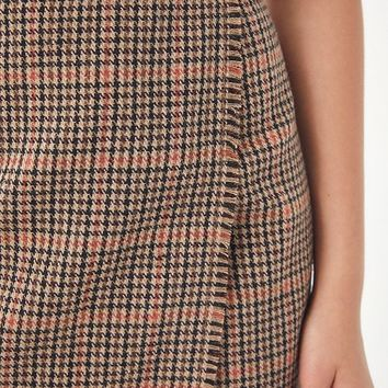 UO Teryn Houndstooth Fray Wrap Skirt | Urban Outfitters