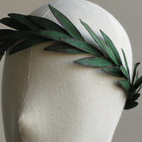 Paper Leaf Crown - Dark green rustic headpiece - Perfect for woodland wedding and Greek theme party - Made of mulberry paper leaves