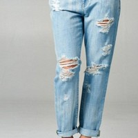 Meredith Boyfriend Jean in Light Wash