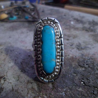 Authentic Navajo Native American Southwestern sterling silver stamped Kingman turquoise ring. Size 8.
