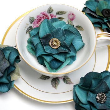 "Teal Hair Flower Clips, Blue Green Fascinator, Small Floral Hair Accessories, Wedding Peacock Blue Vintage Hair Pins - ""Velvet Dewdrops"""