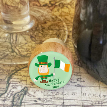 Wine Stopper, Happy St. Paddy's Day Handmade Wood Cork, leprechaun Waving Irish Flag Bottle Stopper, Wood Top Cork Stopper, Fun Gift