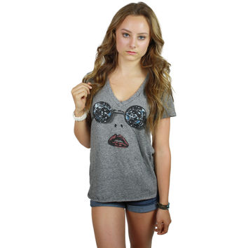 Emmalyn V Neck Scoop Raw Neck Star Face Tee in Heather