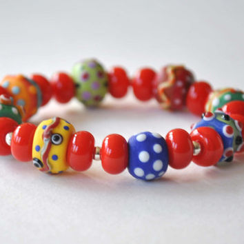 Bright Red Bracelet, Colorful Bracelet, Stretch Bracelet, Glass Bead Bracelet, Lampwork Bracelet,  Artisan Bracelet