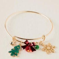 Holiday cheer charm bangle