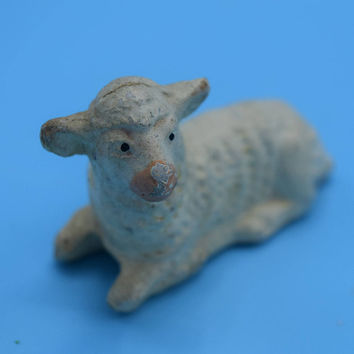 Chalkware Japan Lamb Sitting Vintage White Plaster Sitting Sheep Nativity Scene Animal Christmas Nativity Replacement Miniature Lamb Sheep
