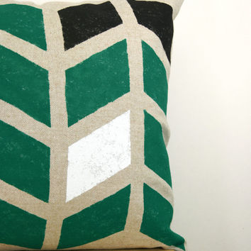 Chevron pillow cover, geometric herringbone - Hand printed arrows in emerald green, black and white on beige canvas - 12x18 lumbar pillow