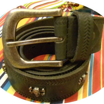XL grey leather pirate skull belt with dark steel by G2Pleather