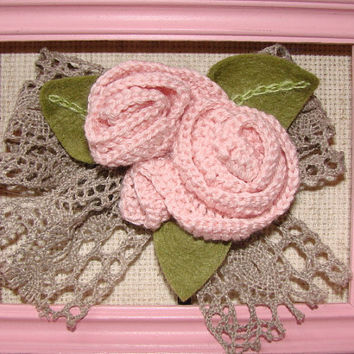 Romantic crocheted brooch, crocheted bouquet of roses