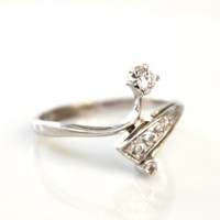 Simple ring - Dainty ring - Small ring - Elegant ring - Thin ring - Delicate ring - Tiny ring