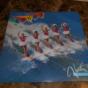Vinyl Record Go-Go's - Vacation - Beatnik Beach - Vintage Vinyl 1982