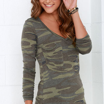 Rank and Style Green Camo Print Long Sleeve Top