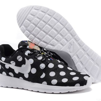 Nike Roshe Run NM City QS (New York City Pack Polka Dot Black)
