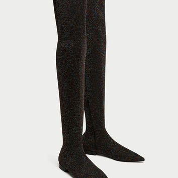 FLAT MULTICOLORED OVER-THE-KNEE BOOTS DETAILS