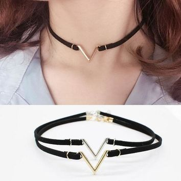 ac spbest Fashion collar collier V Word shape letter Clavicle Choker Necklaces velvet strip femme statement jewelry for Women ras du cou