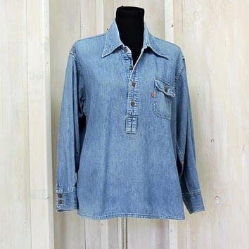Vintage 70s Levis denim shirt / Levis Strauss orange tab / pull over jean shirt / Mens / Womens / Size L