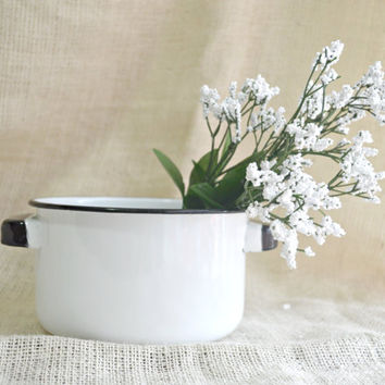 Large Vintage Enamelware  Round White and Blue Pot // White shabby chic enamel pot // Farmhouse decor // Blue and white stock pot