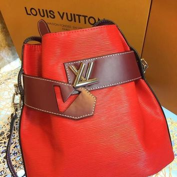 DCCK2 L042 Louis Vuitton LV Water ripples cowhide barrels pack high-capacity single shoulder bag 29.5-29-14.5cm Red