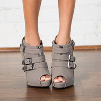 Boardwalk Heels Gray