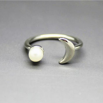 New fashion simple pearl moon ring charm open rings for women jewelry