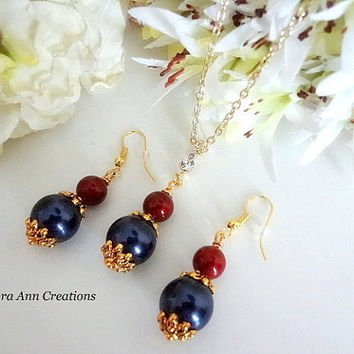 Swarovski Navy Blue and Red Pearl Necklace Earrings Set Navy Bridesmaid Jewelry Mother of Bride Gift Bridesmaid Necklace Set Navy Pearl Set