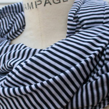 PIYOYOINFINITY SCARF Black / White Stripes Print Cotton by PIYOYO