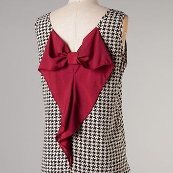 Newbury Kustom Houndstooth Sleeveless Top with Burgundy Bow on Back