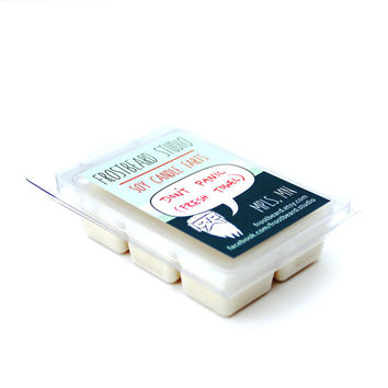 DON'T PANIC (Fresh Towel) -- Book Lovers' Scented Soy Tart -- 3oz pack