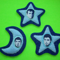 Kirk & Spock MOON + STAR // small Star Trek patch set (patch OR pin / brooch) - [light blue on deep blue version]