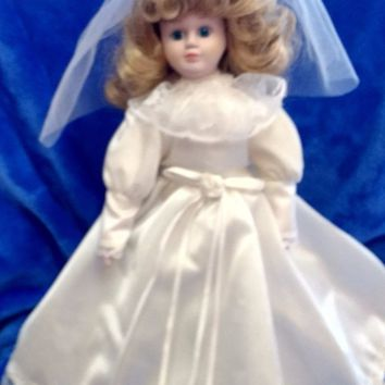 Porcelain Collectible Wedding Bride Doll