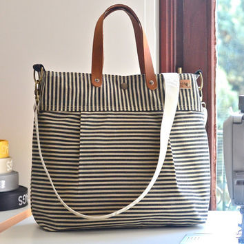 Striped WAXED CANVAS Diaper bag Black ecru stripes / Messenger bag / TOTE / Leather straps / Travel bag / Vogue st1