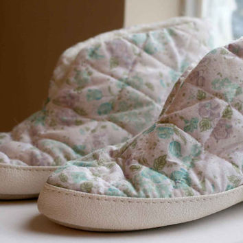 Vintage Quilted Slippers, Retro 80s Floral Slippers.