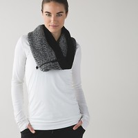 falling freely neck warmer | women's scarves | lululemon athletica
