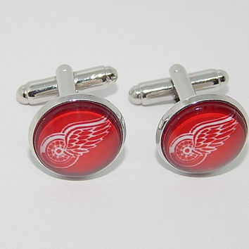 Detroit Red Wings hockey logo cufflinks,  sports team cufflinks, Red Wings jewelry, Red Wings simbol patch, Red Wings emblem, hockey spotrs