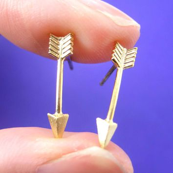 Realistic Arrow Shaped Stud Earrings in Gold | ALLERGY FREE