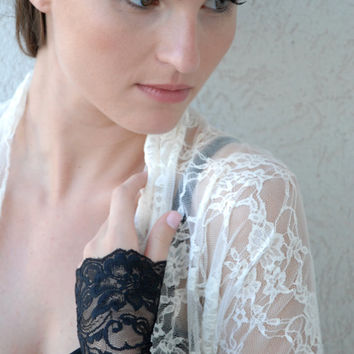 Wedding shrug in Ivory lace, 4 wearing options- shrug, shawl, criss cross and loop scarf
