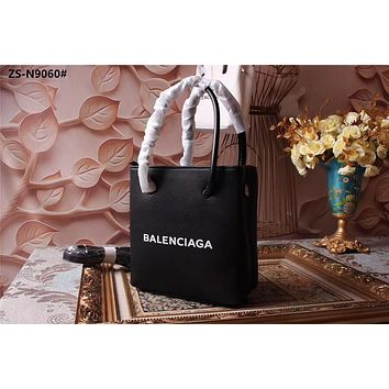 BALENCIAGA WOMEN'S LEATHER HNDBAG INCLINED SHOULDER BAG