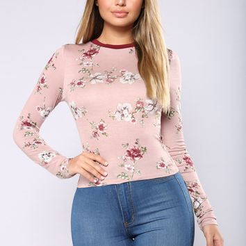 Can't Switch On Me Floral Tee - Dusty Mauve
