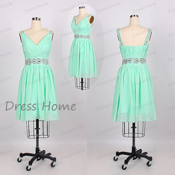 Sexy Green V Neck Beading Short Homecoming Dress/Chiffon Knee Length Homecoming Dress/Prom Dress/Juniors Formal Dress/Wedding Party DH178
