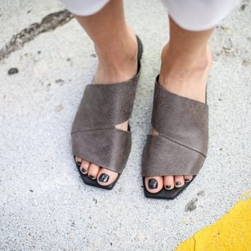 SALE Strappy Sandals, Leather Sandals, Grey Sandals, Handmade Sandals, Slip On Sandals, Grey Summer Flats, Summer Shoes, Slide Sandals, Olli