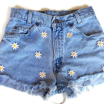 High Waisted Denim Shorts Daisy Applique Hipster by shortyshorts