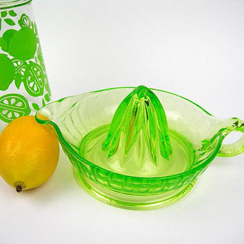 Depression Glass Green Juicer Reamer, Vintage 1930s Kitchen Ware, Uranium / Vaseline Glows in Black Light, Usable Displayable Decor, Gift