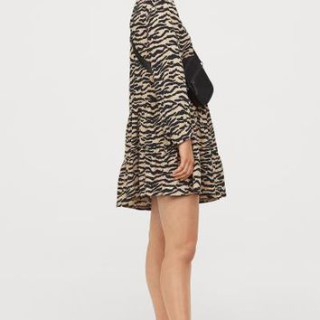 Oversized Flounced Dress - Beige/tiger striped - | H&M US