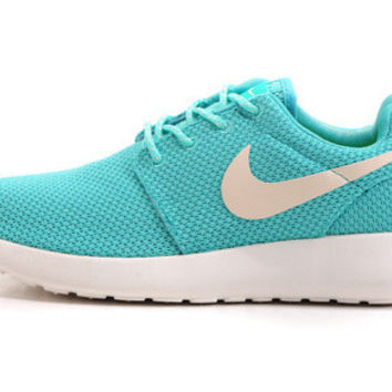 n039 - Nike Roshe Run (Baby Blue/White)