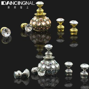 Magnetic Nail Tip Practice Stand Base Stuck Lotus Luxury Rhinestones Alloy Holder Luxury Salon DIY Manicure Accessories 2018 New