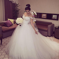 Elegant Princess Wedding Dresses V-neck Ball Gown Lace Up Back Beads Tulle Chapel Train Bridal Gowns Vestido de noiva