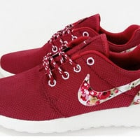 n076 - Nike Roshe Run (Floral Prints Red/White)