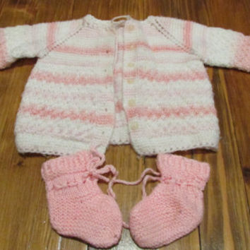 Set of hand-knit baby waistcoat and slippers, white and pink waistcoat and slippers, knitted baby kit, warm knitting for your baby,Size 3- 6