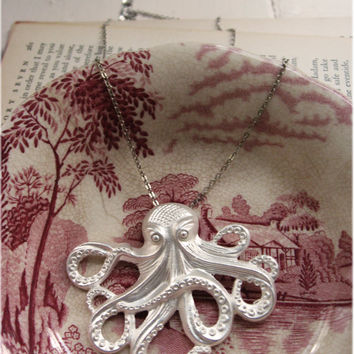 The Silver Storm Octopus Necklace by sodalex on Etsy
