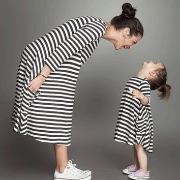 Brief style Comfotable Family Matching Outfits Baby Girl and Mom stripe pajamas Home dress NW